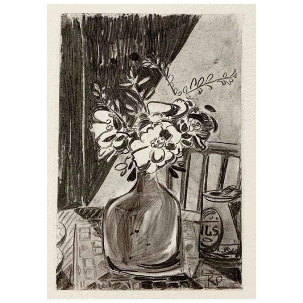 Pilsner and Flowers. Charcoal on paper. 30.4 x 45.7cm. 2020. 850€